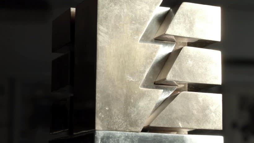 Esculturas corporativas: identidad tridimensional 23