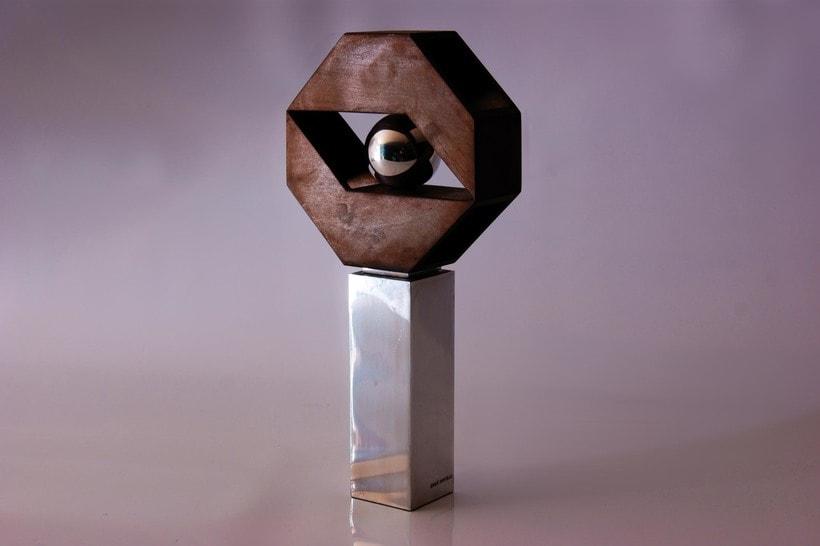 Esculturas corporativas: identidad tridimensional 25