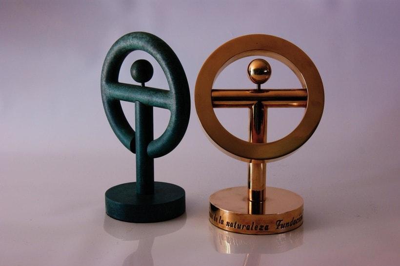 Esculturas corporativas: identidad tridimensional 29
