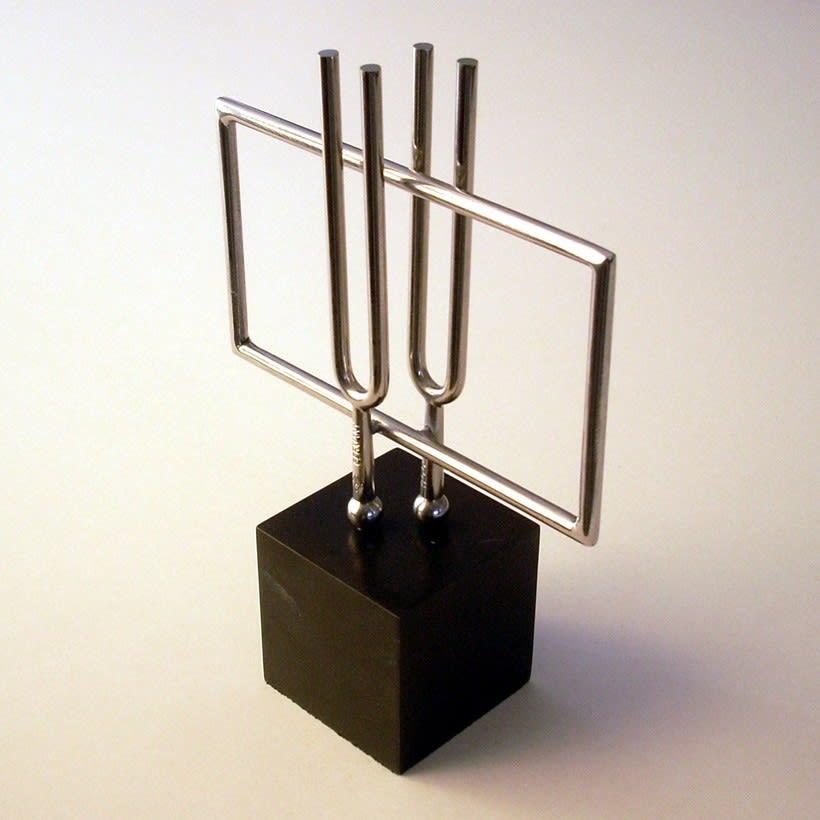 Esculturas corporativas: identidad tridimensional 33