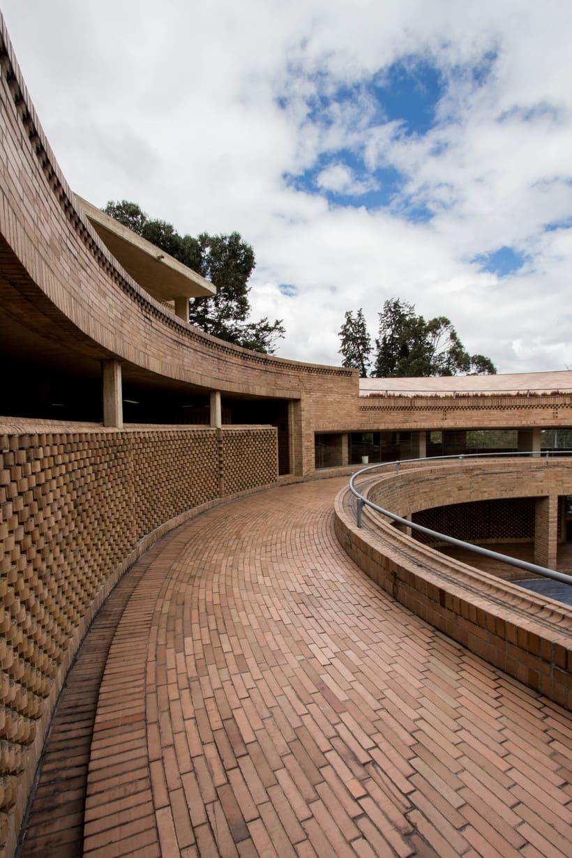 Facultad de Ciencias Humanas de la Universidad Nacional de Colombia, Bogotá | Arq. Rogelio Salmona 1995 12
