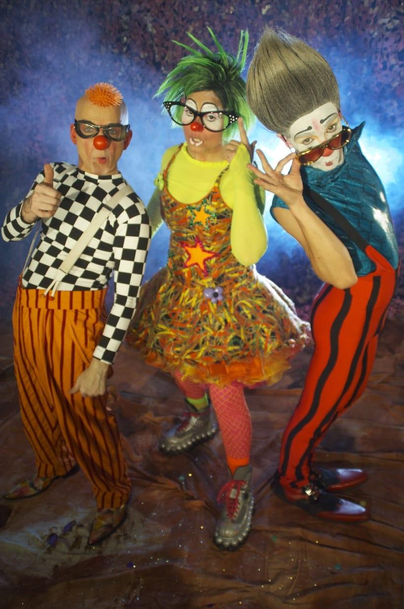 ALE HOP teatro imaginario,circo contemporaneo... 15