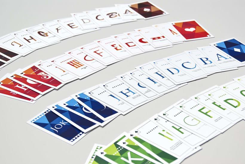 Juego de cartas tipográfico 3