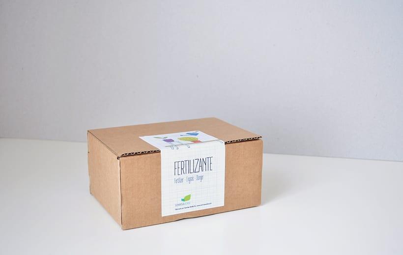 Logotipo, etiquetas y expositor para fertilizante 6