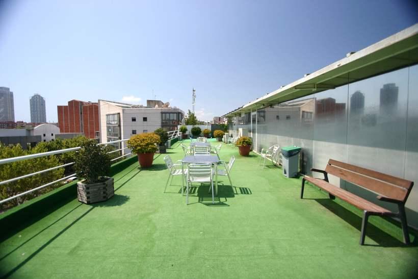 [mesa con vista] Grande Mesa disponible en Agencia Digital (Barcelona, 22@) 4