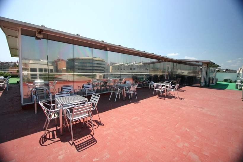 [mesa con vista] Grande Mesa disponible en Agencia Digital (Barcelona, 22@) 7