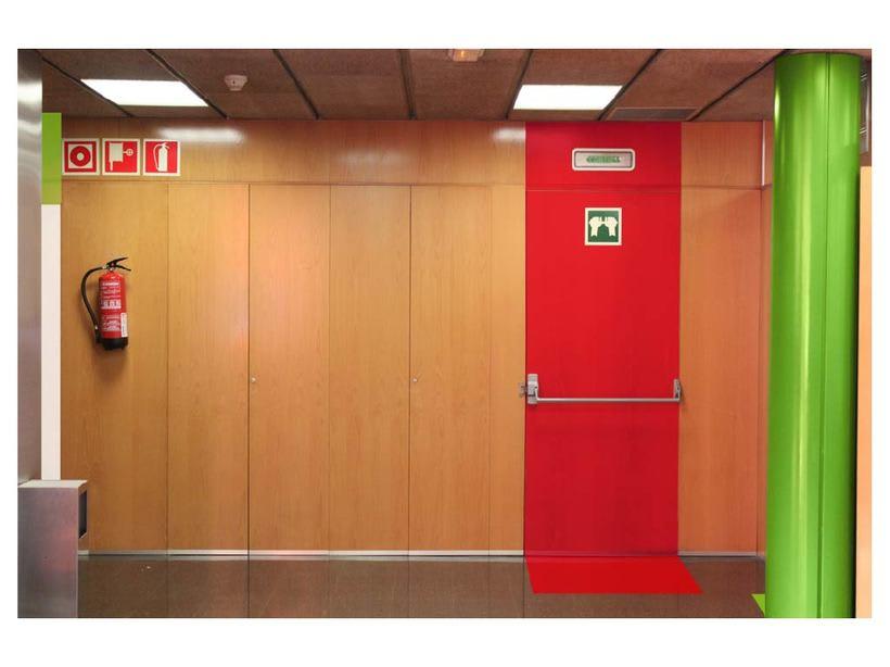 Propuesta de nueva señaletica de la sede de ICCIC - Elisava en Gracia. 7