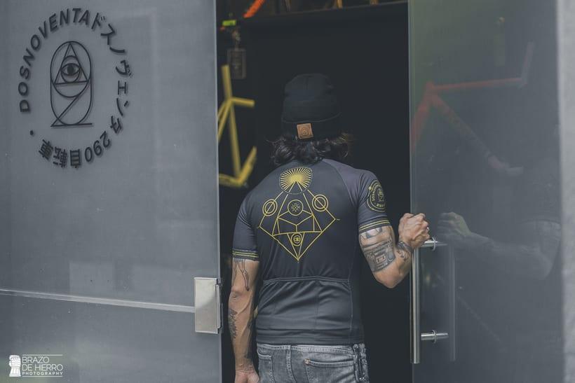 Dosnoventa Bikes // Cycling kits 12