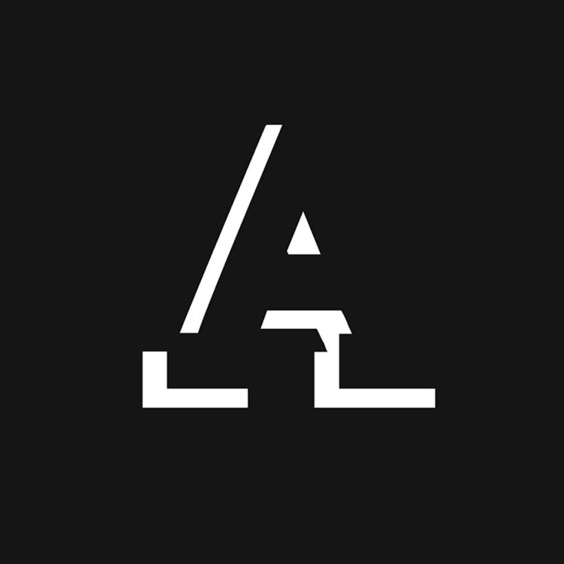 Humbral Slab Free Font 2