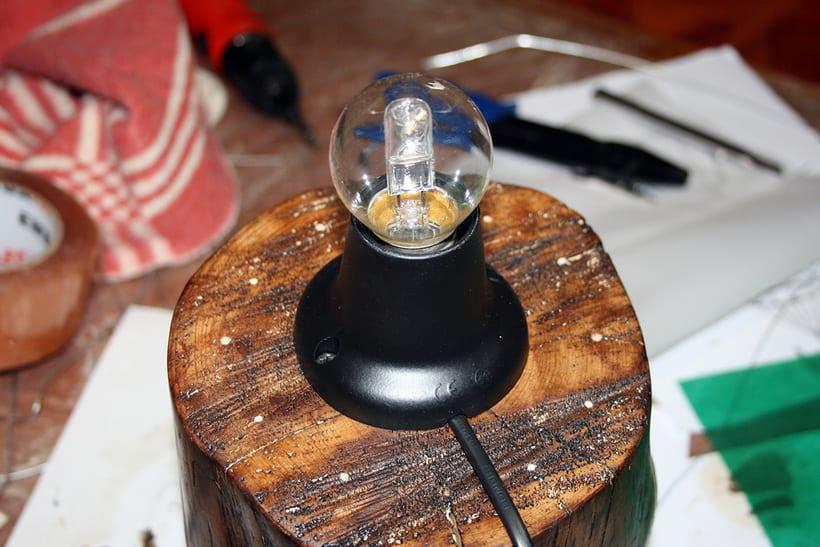 Creación de una lámpara a partir de un tronco de madera. 2