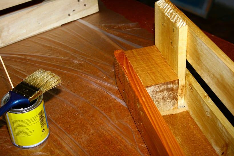 Estantería artesanal a partir de un palet. 1