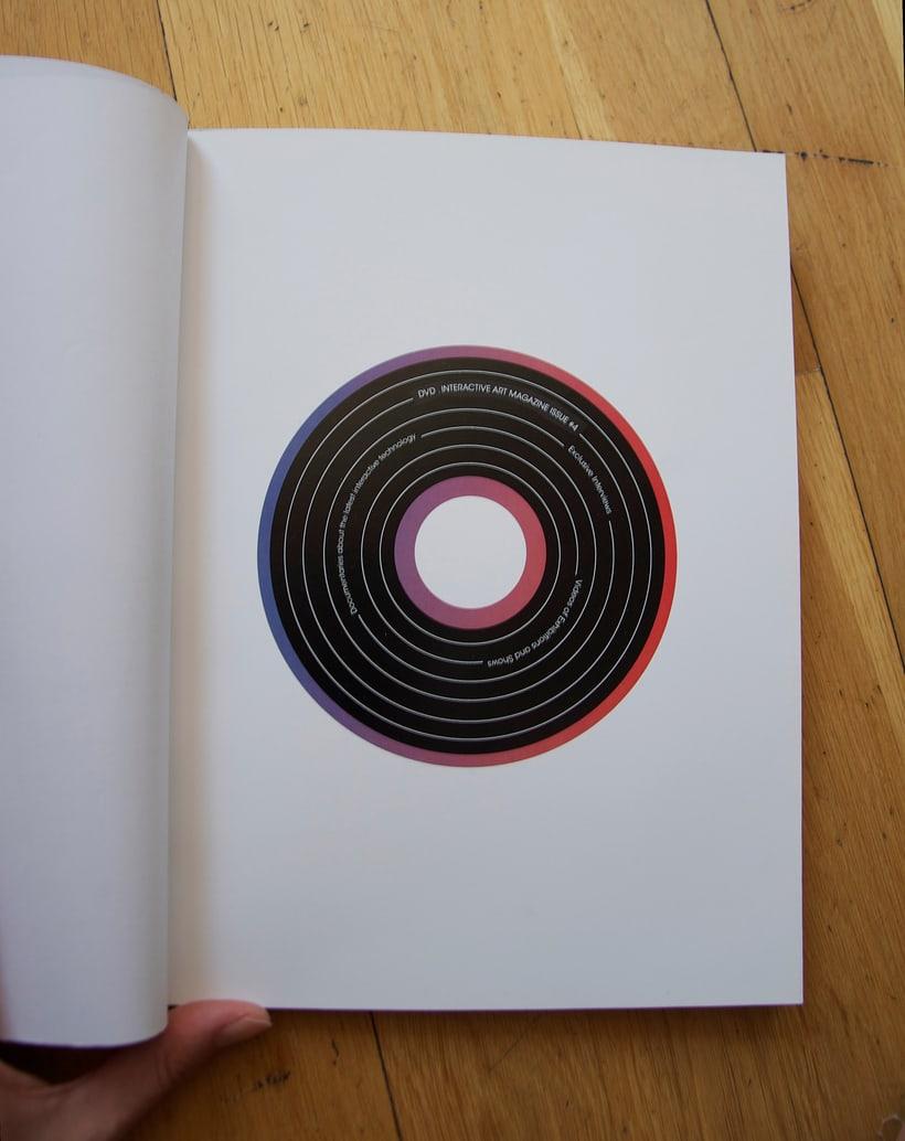 Diseño de Revista - concepto, logo, portada y indicé  3