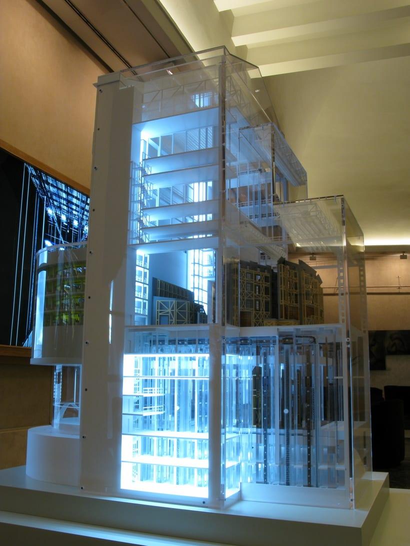 Maqueta robotizada de la caja escénica del Teatro Real  1
