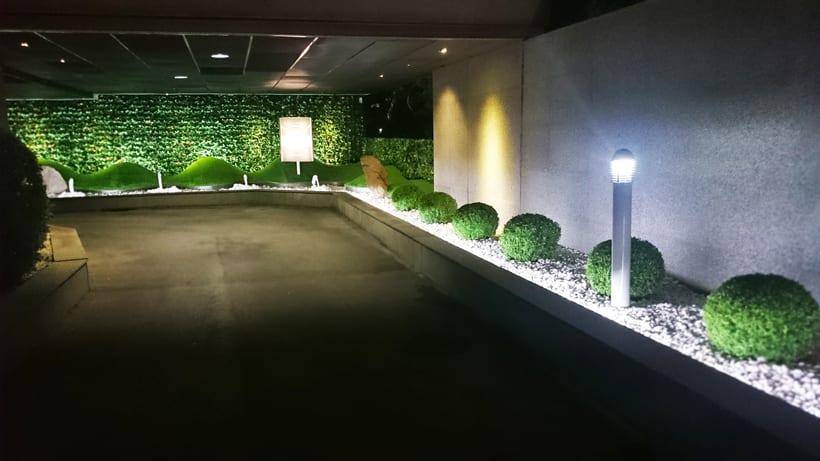 Zouk Hotel. Jardín Escenográfico para la Recepción de Clientes 2