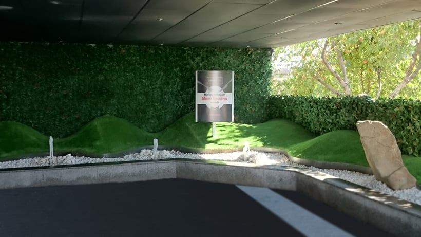 Zouk Hotel. Jardín Escenográfico para la Recepción de Clientes 3