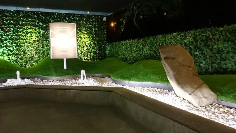 Zouk Hotel. Jardín Escenográfico para la Recepción de Clientes 5