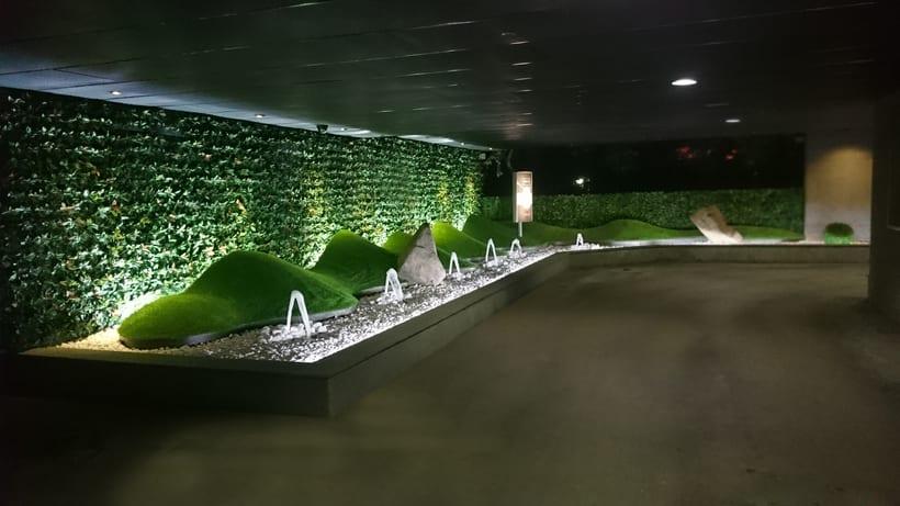 Zouk Hotel. Jardín Escenográfico para la Recepción de Clientes 7