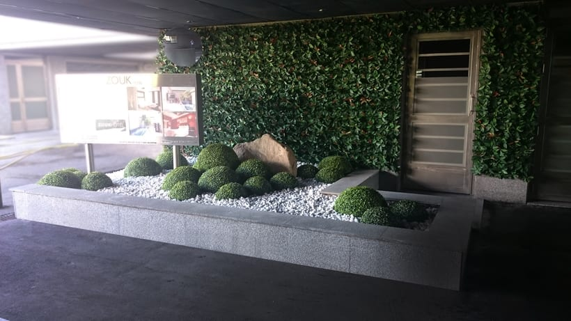 Zouk Hotel. Jardín Escenográfico para la Recepción de Clientes 9