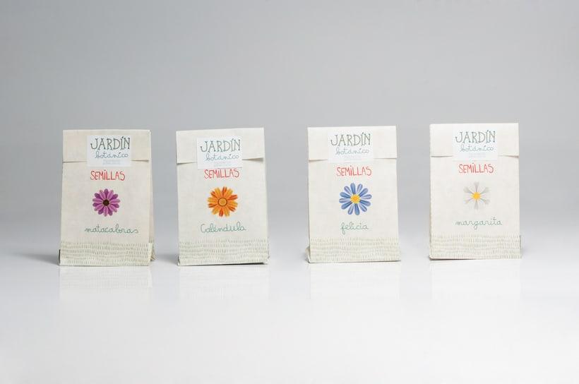 """Prototipo pack didáctico """"Jardín Botánico Valencia"""", colaboración con Mariana Marlo: packaging, tipografías y logotipo. Fotografías: Luis Chiarri 2"""