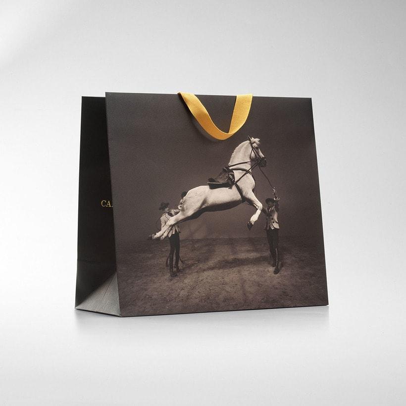 Imagen corporativa y packaging de Cartujano -1