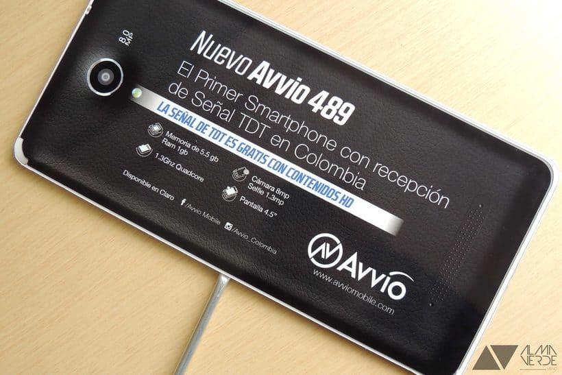 Agencia Visual Gloow / Claro Avvio - Stands armables en cartón 6