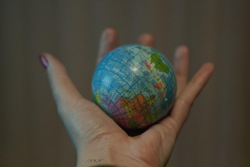 -El Mundo en tus manos- 0