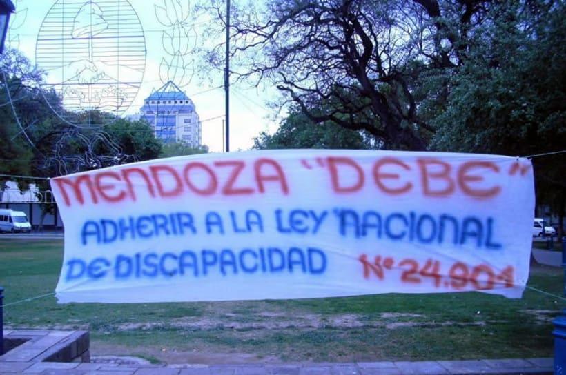 Padres autoconvocados exigen los derechos de las PCD en Mendoza 0