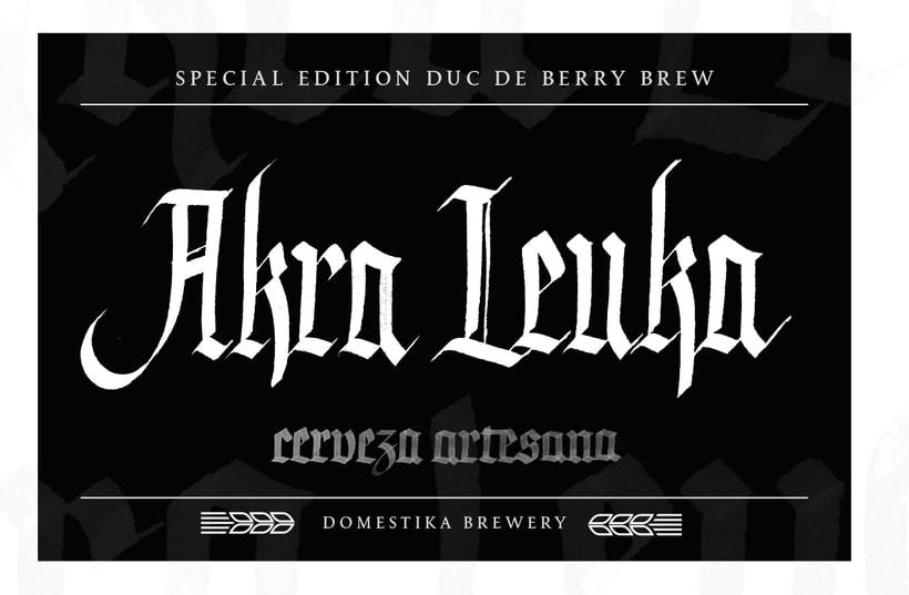 Akra Leuka - Cerveza Artesana - Proyecto del curso de caligrafía gótica de Oriol Miró 10