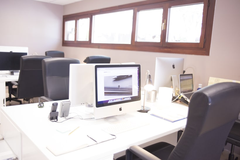 COWORKING MADRID - Puestos de trabajo en alquiler dentro de consultora de Branding 3