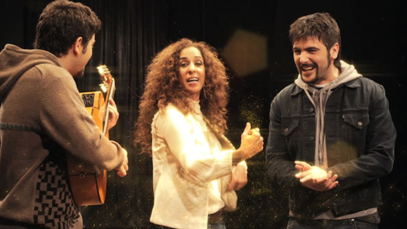 """""""El Run Run"""", Estopa & Rosario Flores 4"""