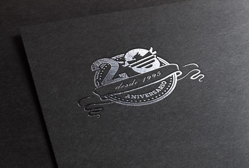 Logo 20 aniversario Elite Merchandising -1