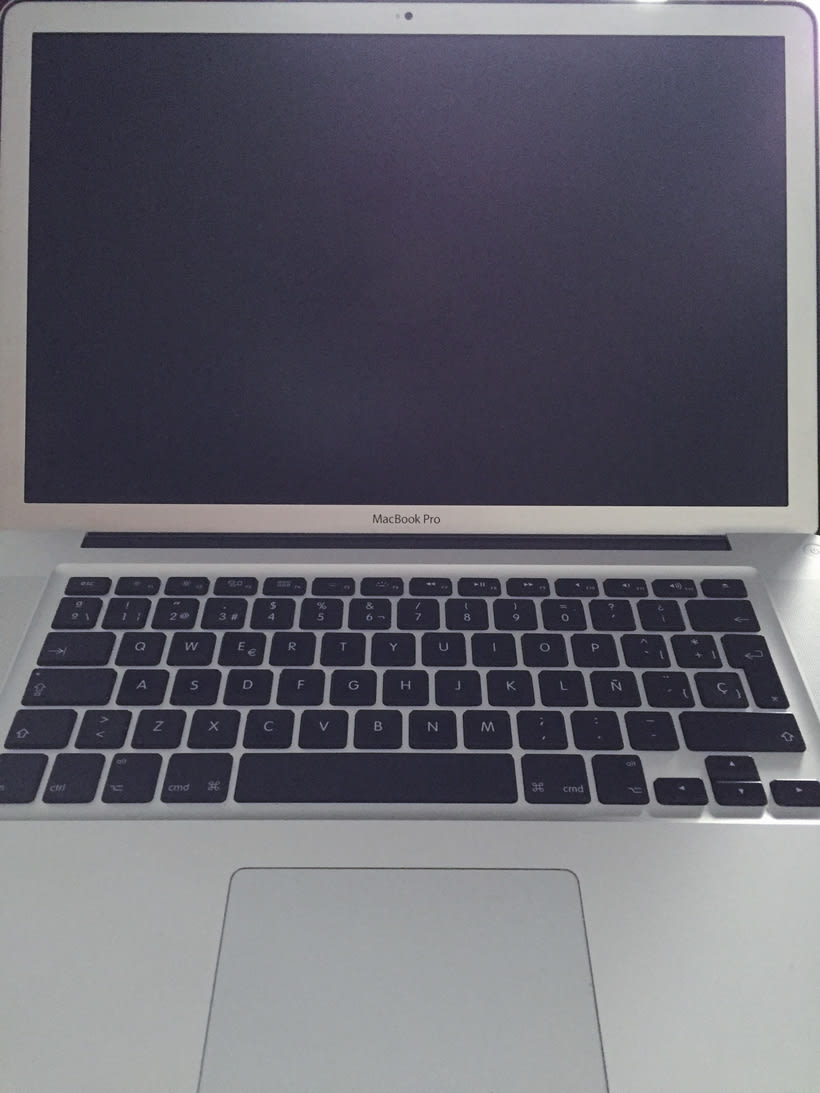 Macbook Pro 2011 i7 Quad 2.4G con antiglare 1