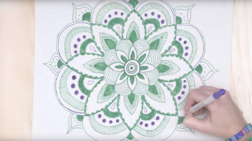 Mándala dibujado a mano -1