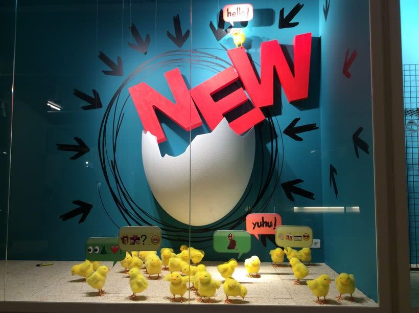 """""""Eggo"""". Diseño y desarrollo de escaparate para tiendas Outlet de la marca Desigual.  -1"""