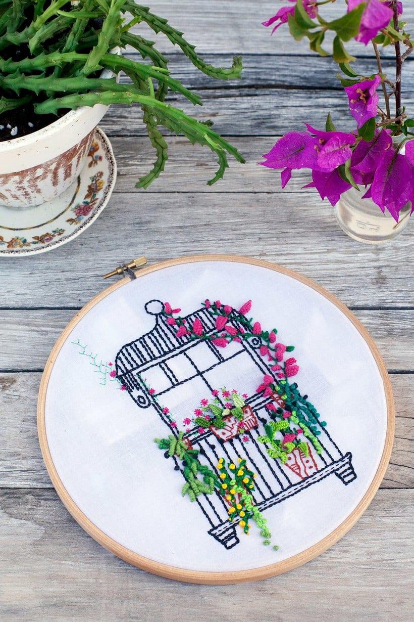 Bordando un balcón para Revista Kireei Cosas Bellas 16