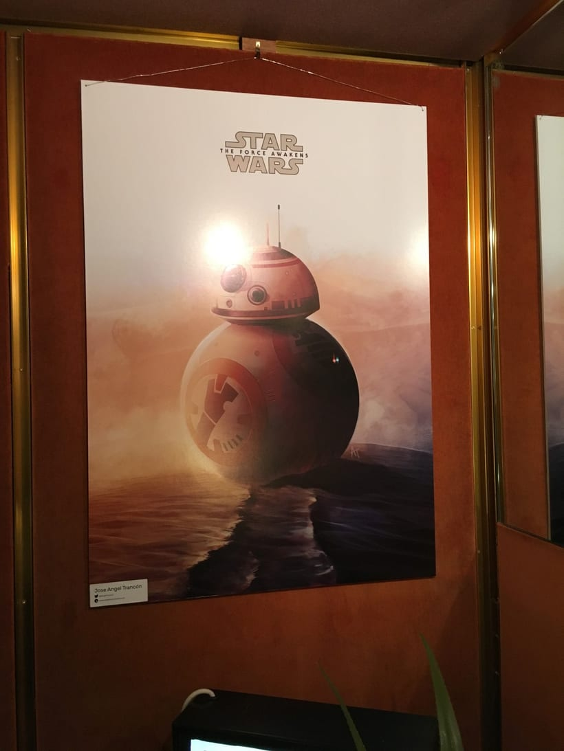 "Poster alternativo para la exposición ""Star Wars The Force Awakens Exhibit"" en los Cines Curzon Mayfair en Londres 2"