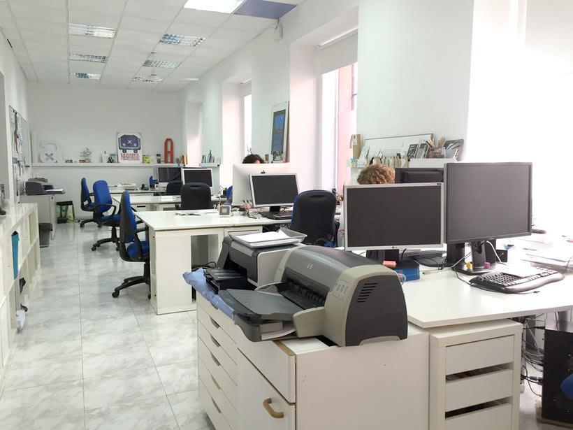Alquilamos puestos de trabajo en estudio muy tranquilo en El Rastro, Madrid 2