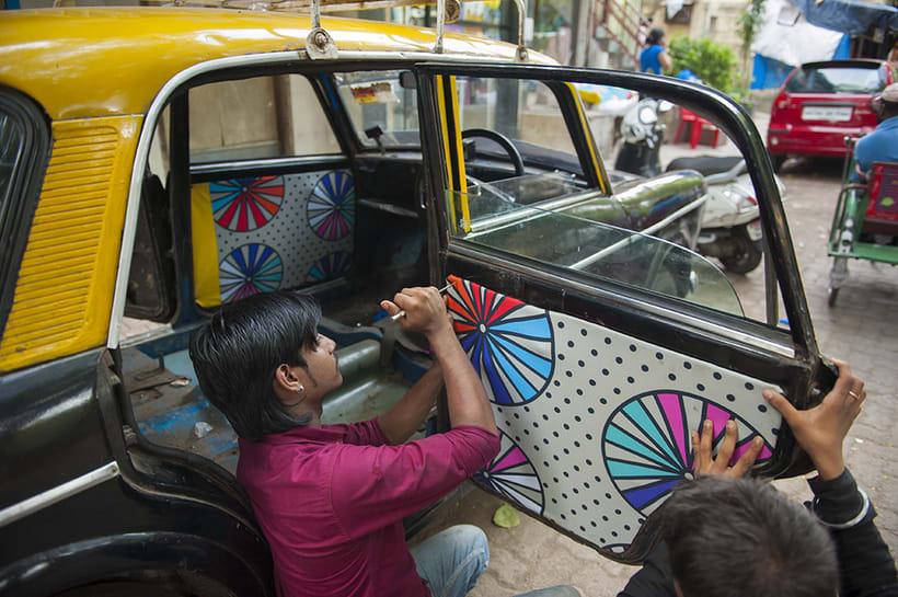 Transportan el diseño a través de taxis en Mumbai  4