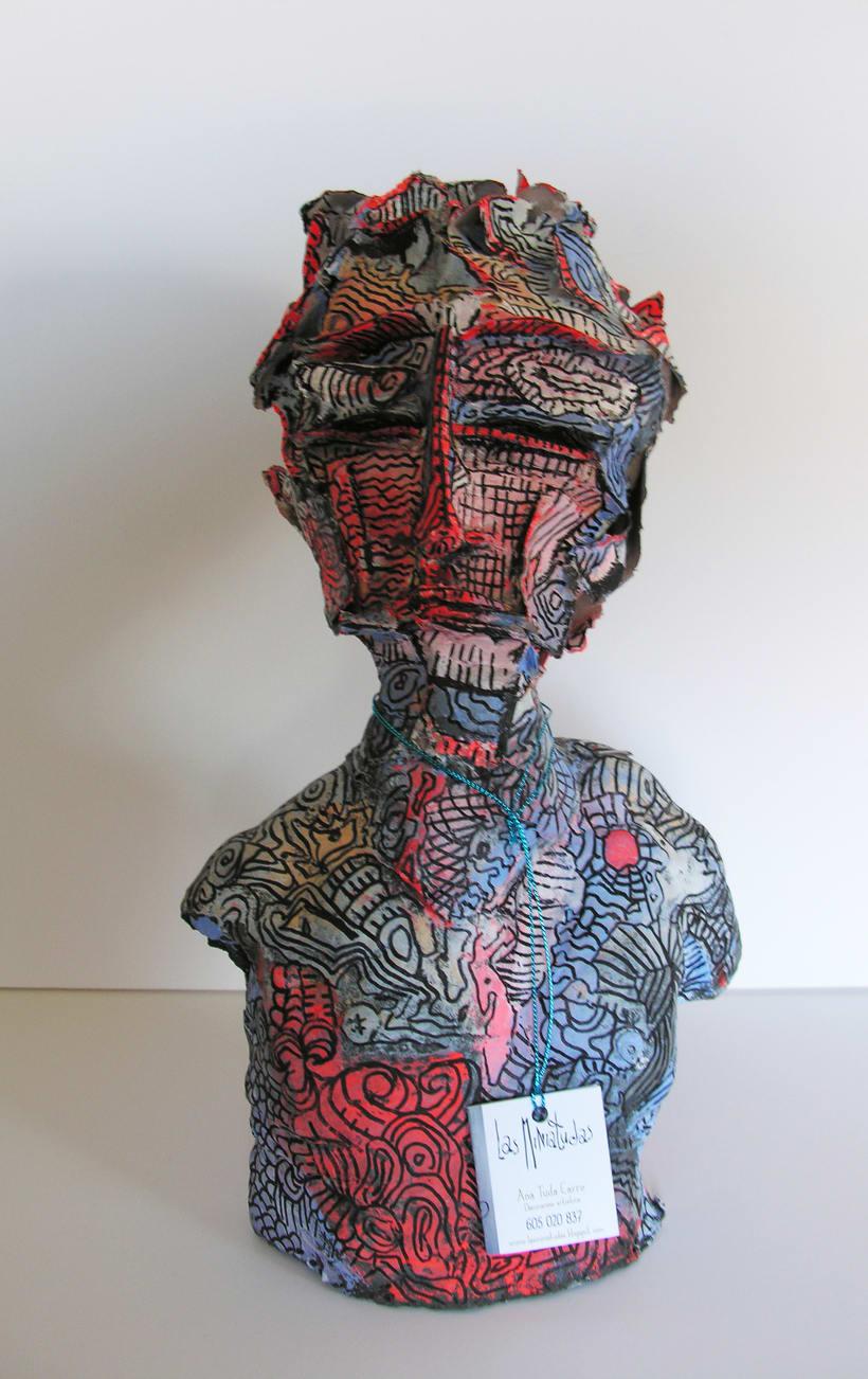 Escultura: El hombre tatuado -1