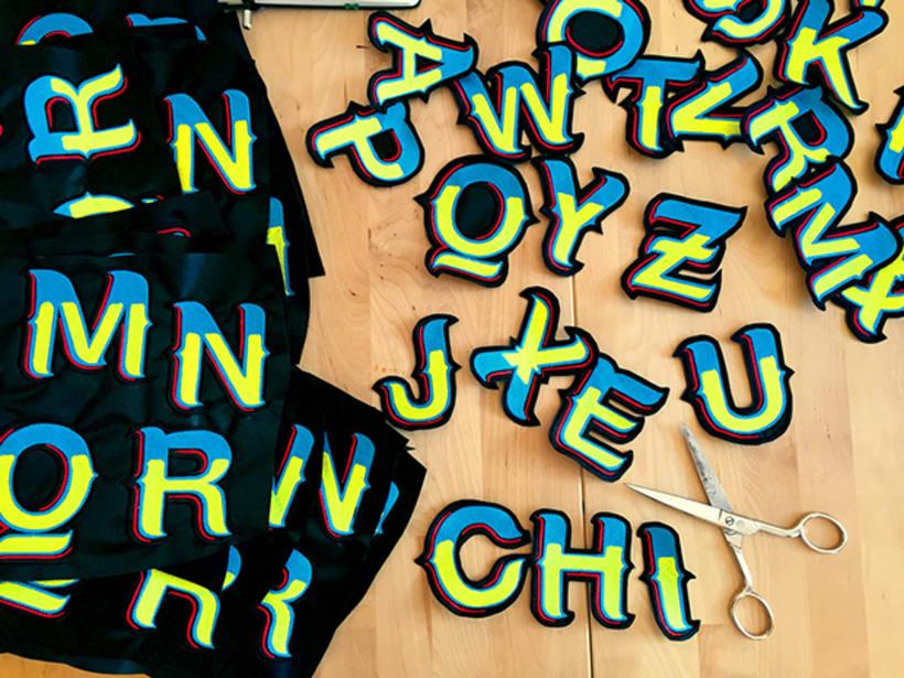 HelveChicha, una tipografía que puede viajar  8