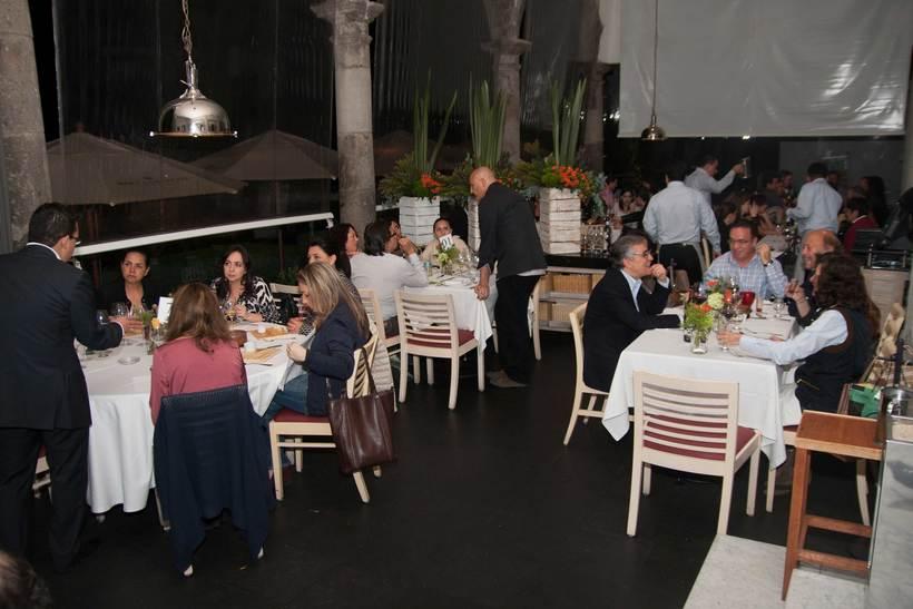 Organización, campaña y Community management de cena-maridaje con Aeroméxico 3
