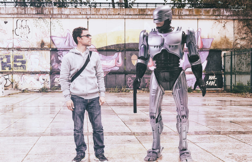 Quedada con nuestro amigo Robocop. -1