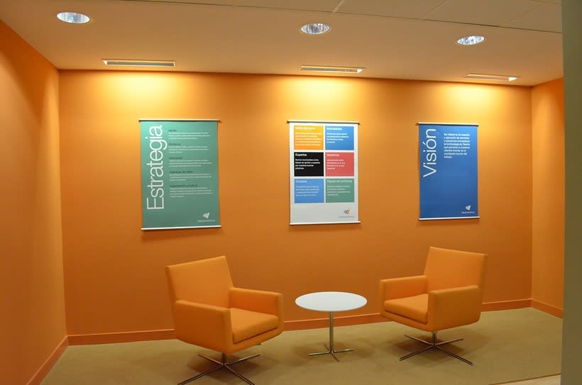 Decoración oficinas Experis 3