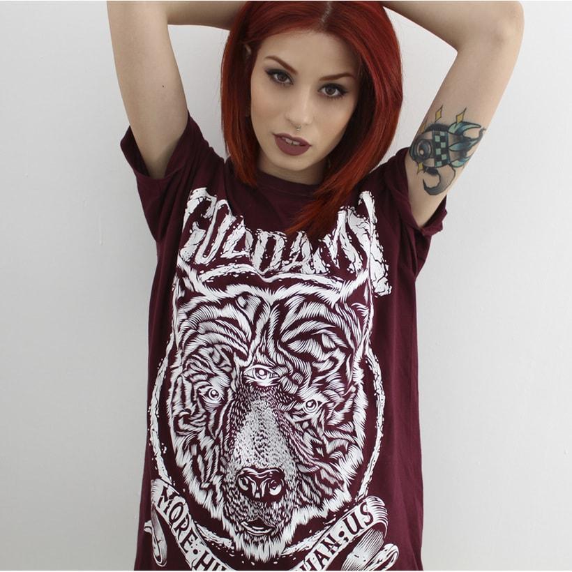 Camiseta Goddamn 9