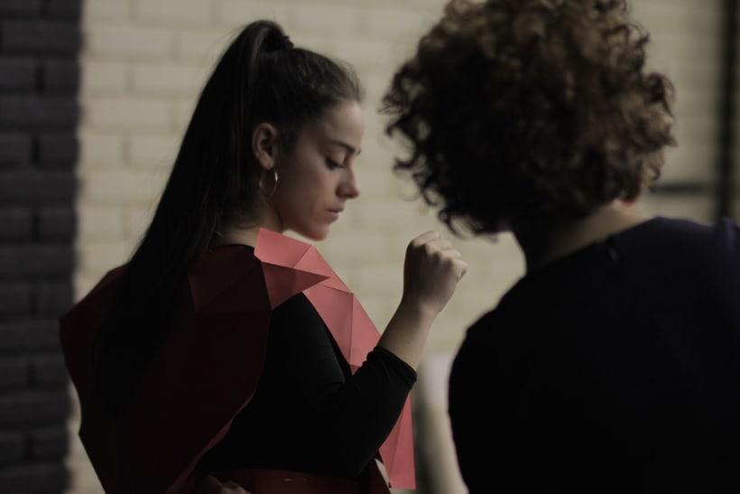 ROJO (videoclip) 5