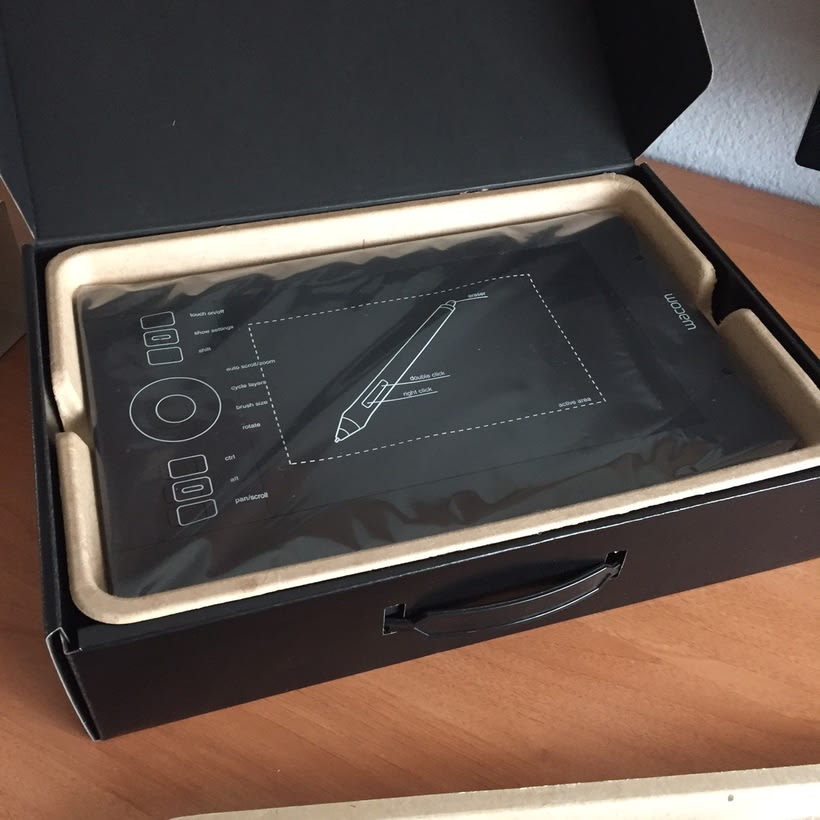 Vendo tableta digital Wacom Intuos Pro S 4