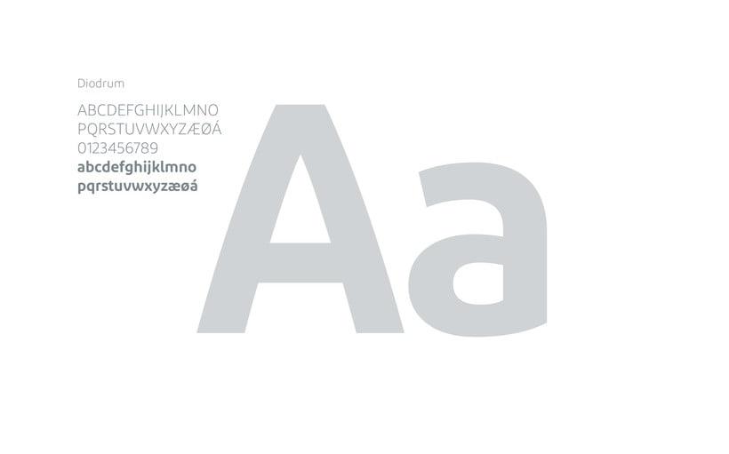 La Manzana // Logo & Branding Design 4