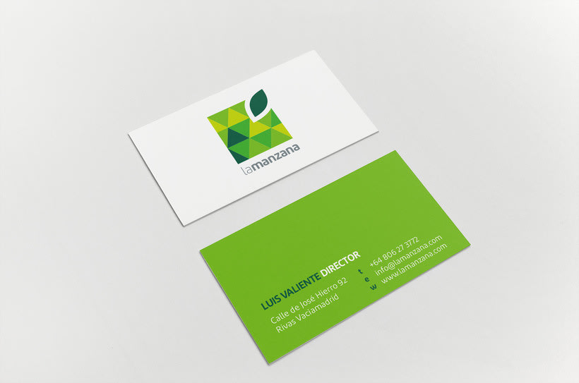 La Manzana // Logo & Branding Design 5