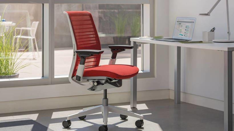 Porqué deberían de invertir en una buena silla de trabajo 17