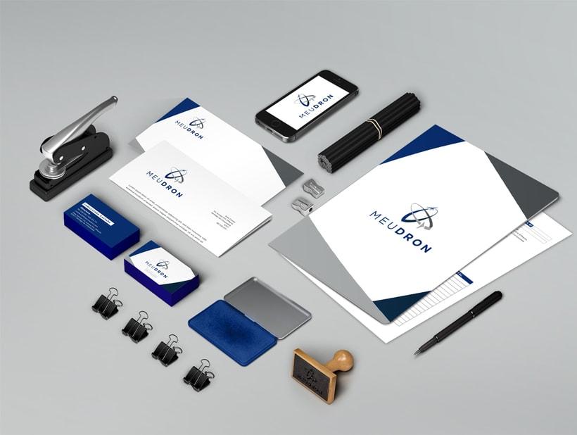 Logotipo, imagen de marca y diseño web, MeuDron 1